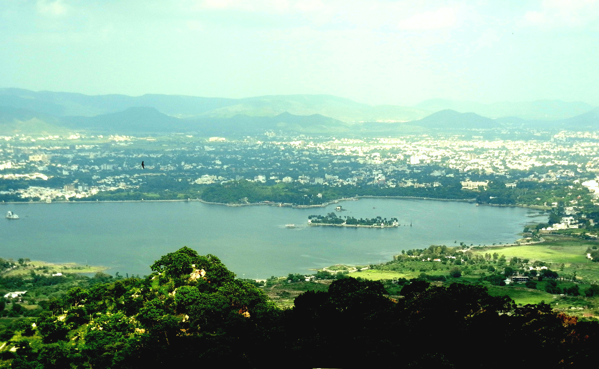 top-hotels-in-udaipur