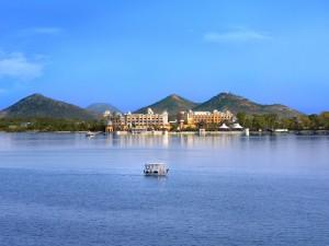 Fateh sagar lake Udaipur rajashtan hotels-in-udaipur